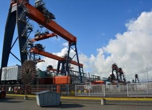 Lees meer over het artikel Containerterminal werkt het klokje rond